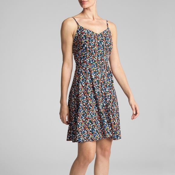 GAP Dresses & Skirts - NWT GAP Floral Cami Fit and Flare Dress